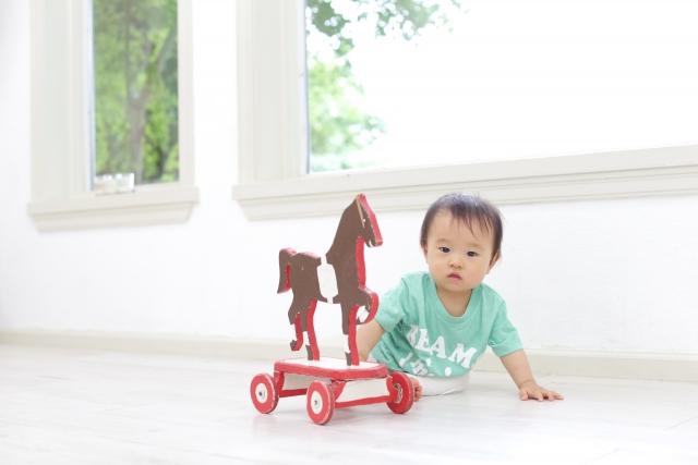 0歳児の室内遊びアイディア